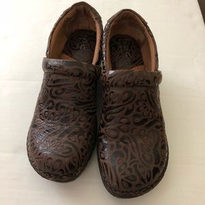 Clogs by Born
